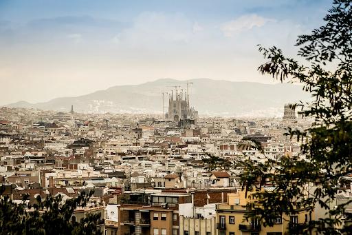 tours en barcelona con impacto social apoyando la interculturalidad